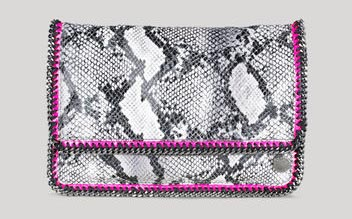https://dansmonsacdefille.files.wordpress.com/2012/05/falabella-stella-mccartney-python-fold-over-clutch.jpg