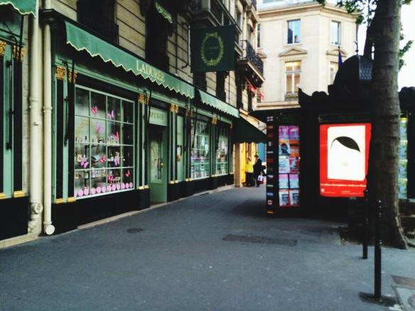 Ladurée Paris Madeleine Champs Elysées