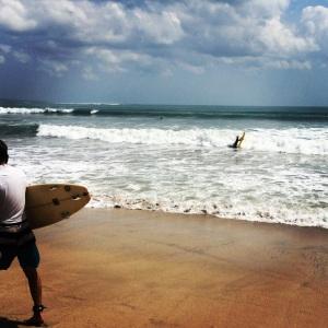 Kuta Beach et ses surfeurs