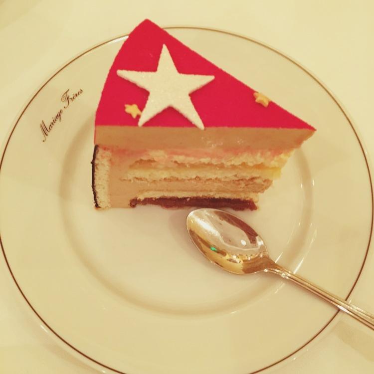 """""""Petite"""" part du gâteau de Noël parfumé au thé """"Midnight in New York"""""""