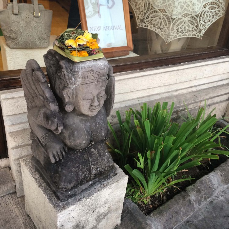 Bali statue balinaise pura bali avis