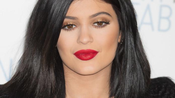 Kylie Jenner red lips box beautiful box