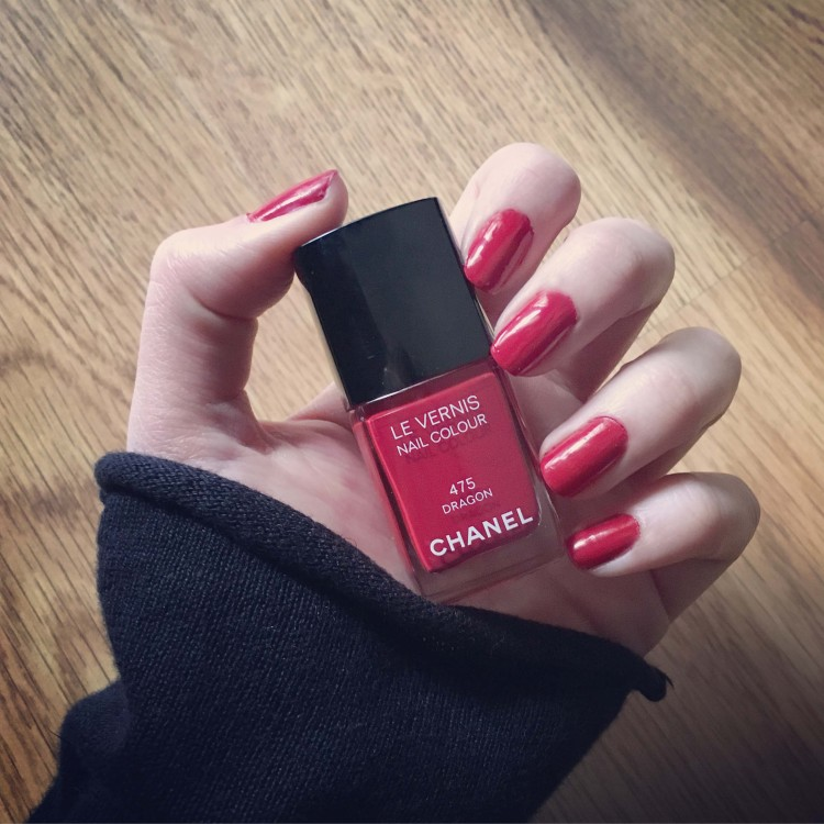 Vernis à ongles rouge dragon 475 Chanel avis