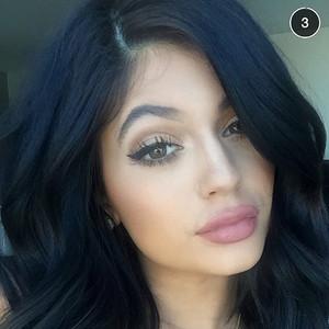 Kylie Jenner Kardashian compte Snapchat blog beauté