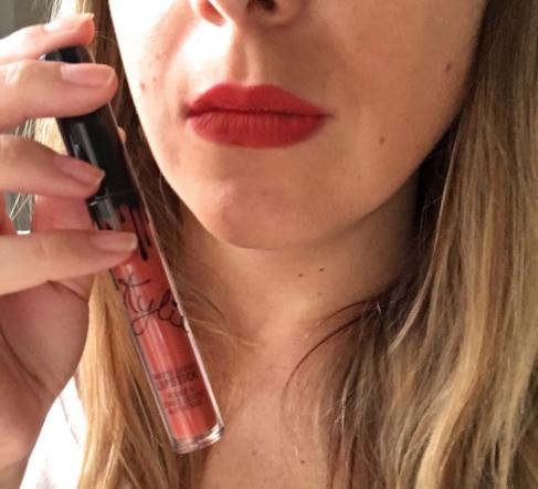 Mon avis sur le rouge à lèvre Lip Kit 22 de Kylie Cosmetics Kylie Jenner Khloe Kardashian